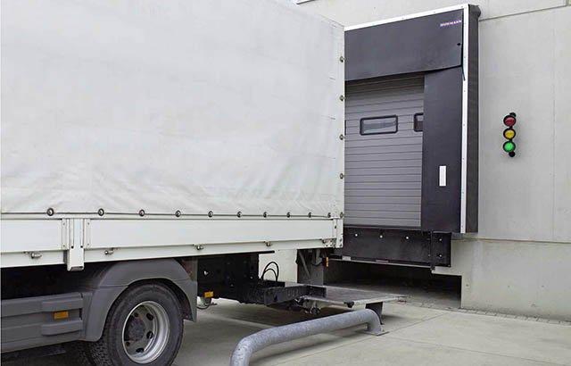 Перегрузочные комплексы - Докшелтер (герметизатор проема), Доклевеллер (перегрузочная платформа), Тамбуры